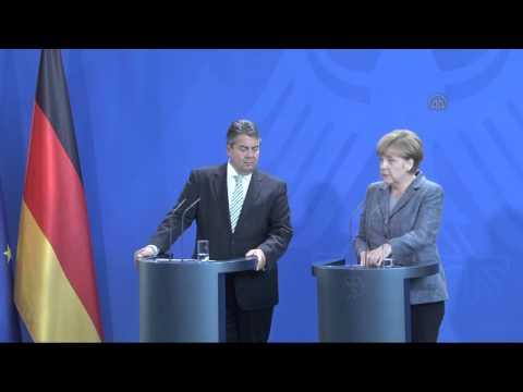 Press conference of Angela Merkel and Sigmar Gabriel on refugee crisis