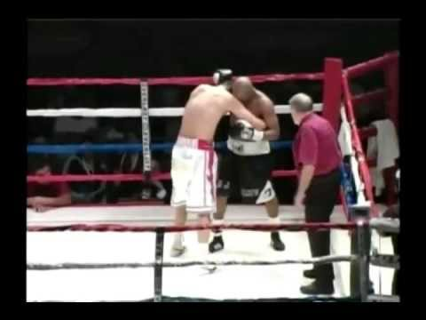 Julio César González vs Reggie 'Sweet' Johnson
