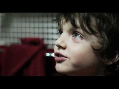Cronaca di un assurdo normale – Trailer Ufficiale HD ITA (AlwaysCinema)