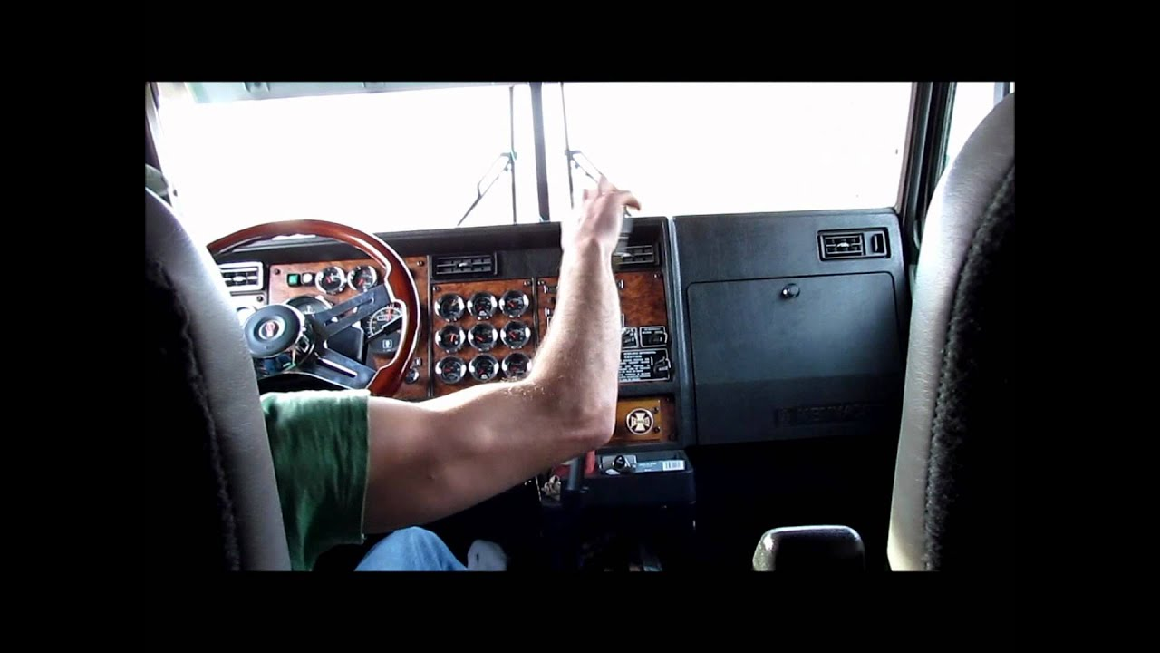 Kenworth W900l Shifting And Jakebraking Youtube