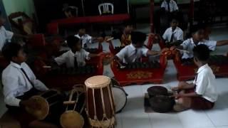 Download Lagu musik  tradisional banyuwangi oleh anak anak Gratis STAFABAND