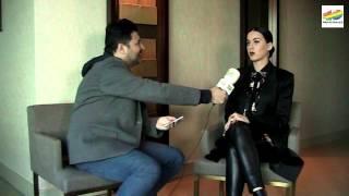 Katy Perry Video - Katy Perry habla con Tony Aguilar sobre el Prismatic World Tour