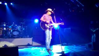 Watch Jason Aldean Truth video