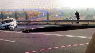 Crimea Sinkhole Swallows Car 6 Dead