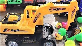 Cần Cẩu Máy Xúc Khổng Lồ Làm Việc Xúc Cát  | Vehicles Toys For Kids