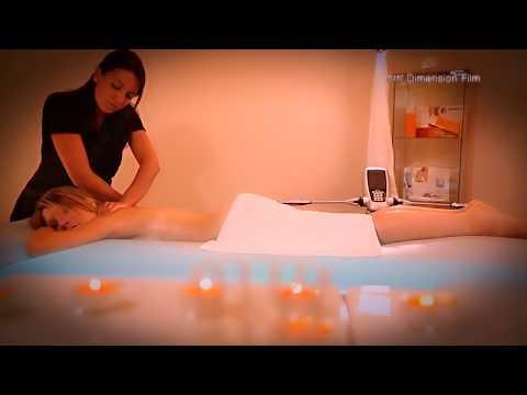 54Американская порно звезда наслаждается массажем. Просто массажем