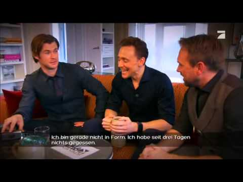 Tom Hiddleston and Chris Hemsworth on Steven liebt Kino