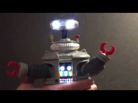 Diamond Select Lost in Space B9 Robot
