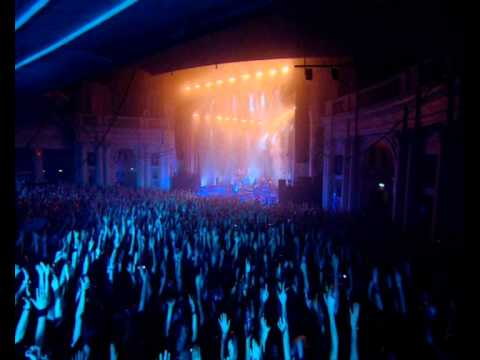 Faithless - Passing the baton (Live at Brixton Academy, London)