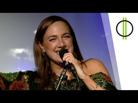AKUSZTIK első adás  – Tóth Gabi (M2 Petőfi TV 2017.11.20 22.40)