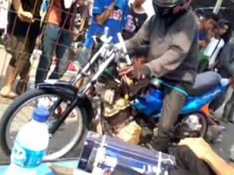 Foto Hendra Kecil Drag Bike Drag Slawi Bareng Hendra Kecil