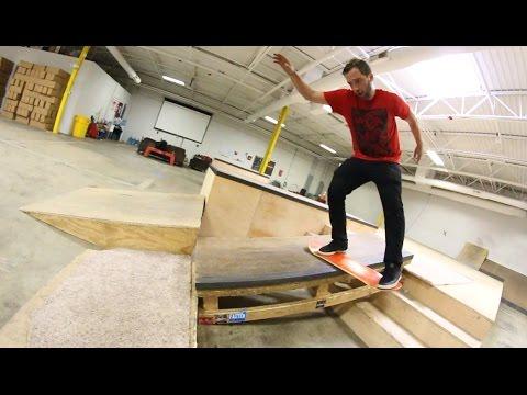 Extreme Carpetboarding At The Skatepark!