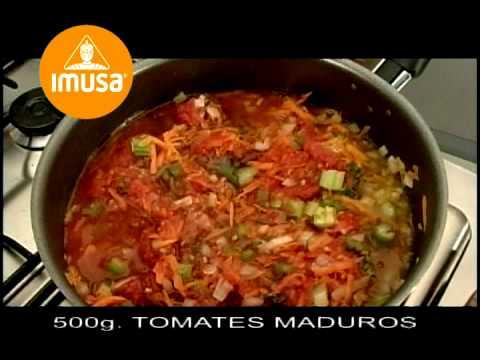 Espaguetis en salsa napolitana - Recetas Imusa