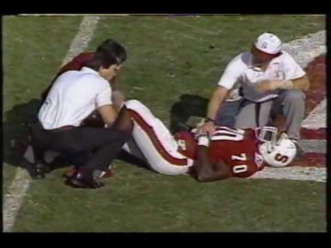 Bob Whitfield flips off Cal sideline during the 1991 Big Game