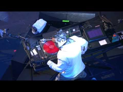 Linkin Park - The Requiem and Wretches And Kings live at MTV EMA Madrid, 2010 HD