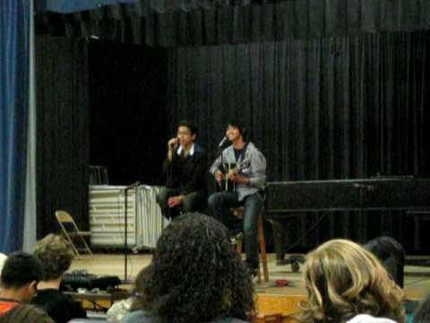 "Jesse & Brent singing to ""Love Bug"" by The Jonas Brothers"