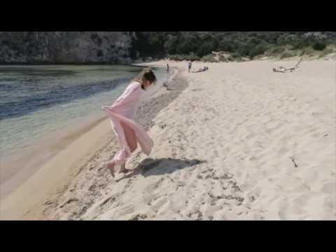 A Walk On Voidokilia Beach, Messinia, Greece // Travel Vlog // Madeleine Loves