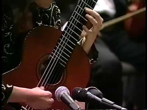 Irene Gómez.Concierto para Guitarra y Pequeña Orquesta de H. Villalobos