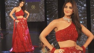 Vaani Kapoor Ramp Walk At 4th Edition Of The Wedding Junction