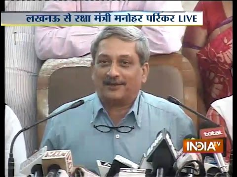 Defence Minister Manohar Parrikar addressing Media Live