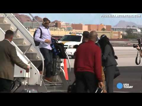 Seattle Seahawks arrive in Phoenix for Super Bowl 49