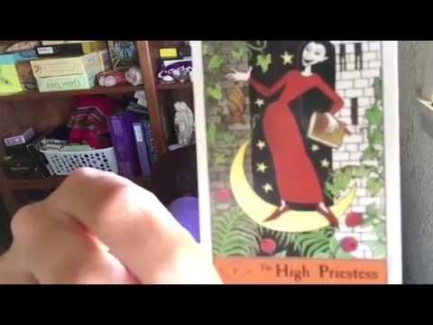 Arwen Reviews: The Halloween Tarot (USGames 1996)