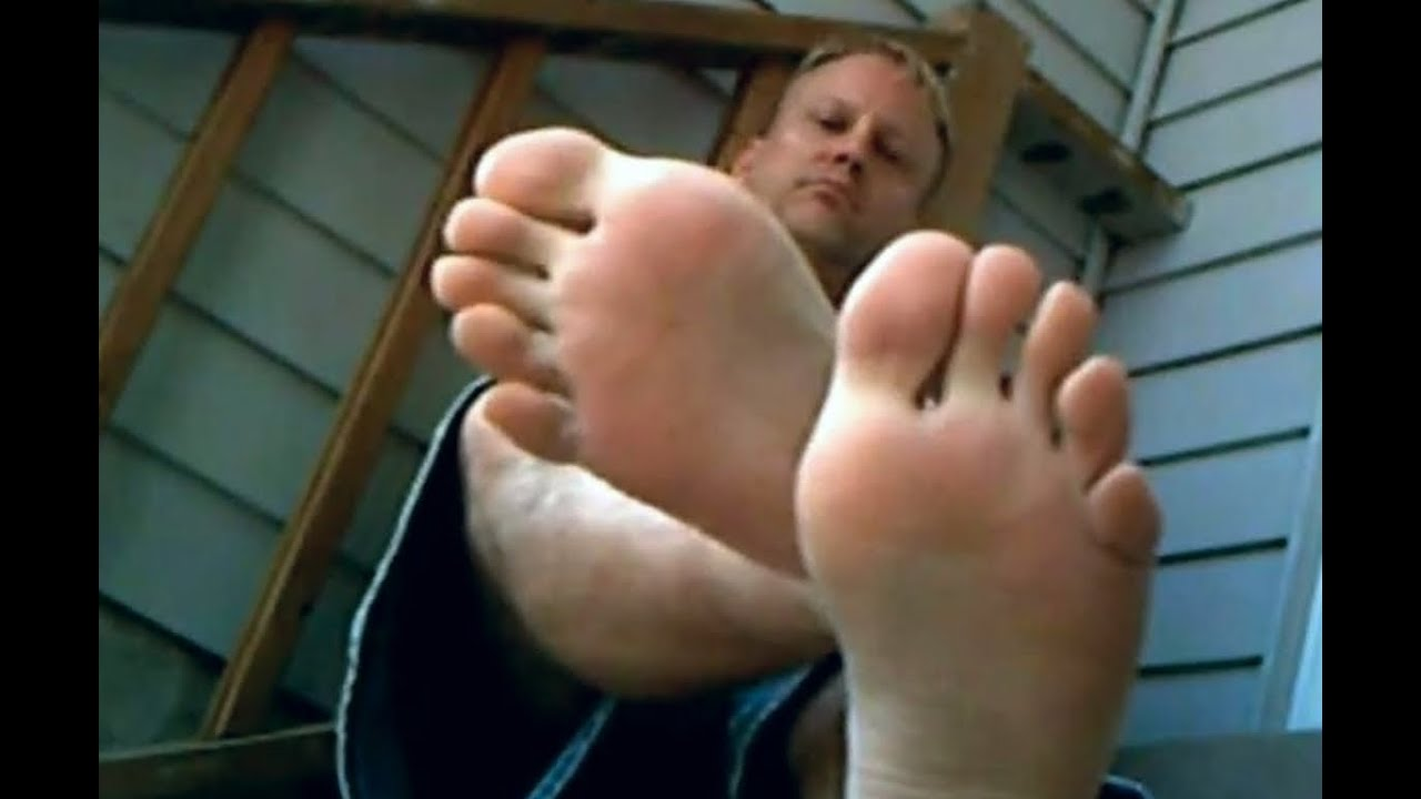 how to stop smelly feet in summer