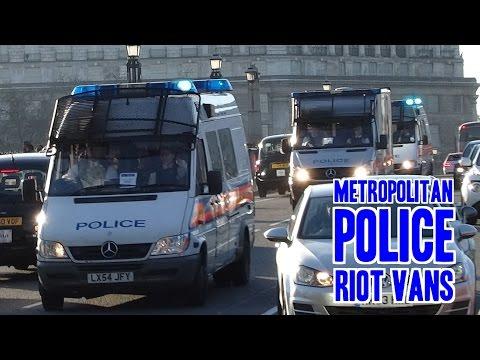 Metropolitan Police Riot Vans x13 (TSG/PSU/DSU) Mercedes Sprinters responding