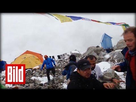 Bergsteiger filmt Erdbeben-Lawine -  Himalaya-Beben (Amateur-Footage / Blizzard / Nepal)