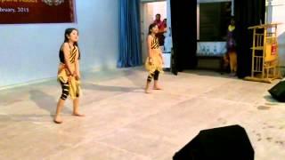 Akshita & Anushka Dancing on Suraj Dooba Hai & Chittiyaan Kalaiyaan