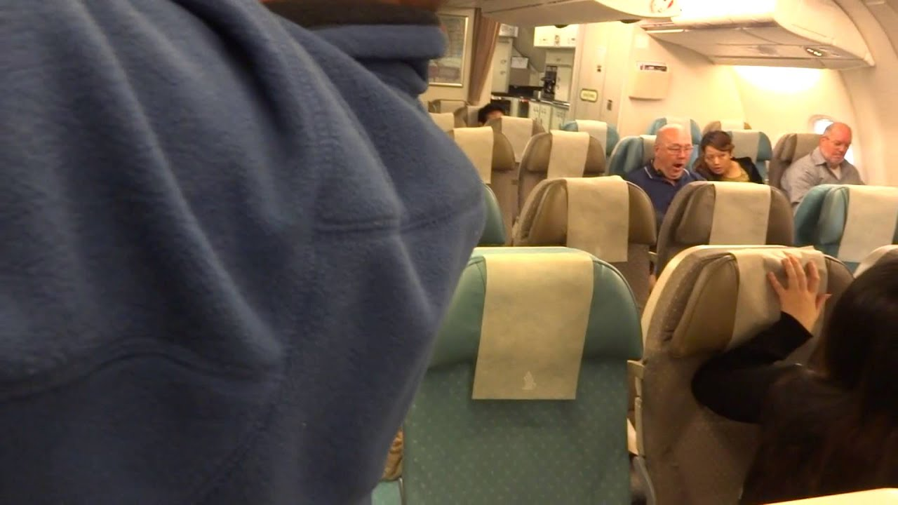 Singapore Airline Airbus A380 Upperdeck Economy Class Tour