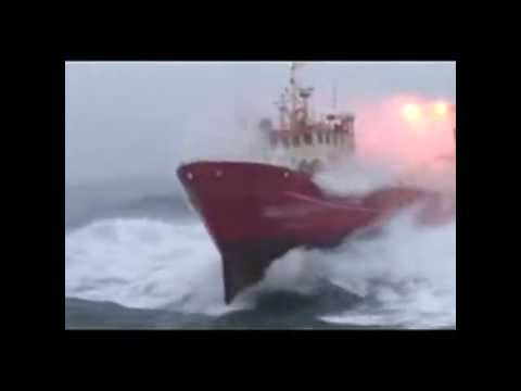 AMAZING SHIP IN ARABIAN SEA.........................