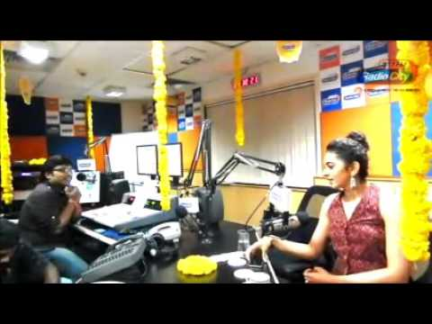 Rakul Preet Singh about Sarainodu at RadioCity Hyderabad