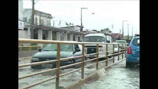 Chuva causa alagamentos na Zona Norte do Recife e em Olinda