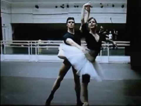 ROBERTO BOLLE and Darcey Bussell Swan Lake Rehearsal