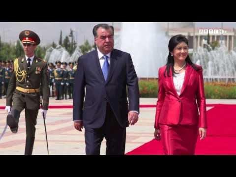 Yingluck Shinawatra in Tajikistan
