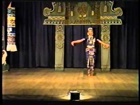 Nee Indha Mayam- Varnam video