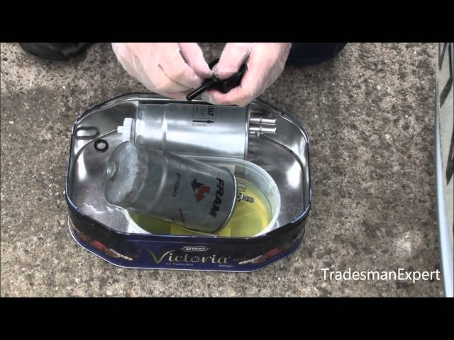 Vauxhall Astra Diesel 1.3 CDTI Fuel Filter Replacement ...