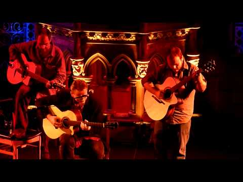 Andy McKee, Tony McManus and Johnny Dickinson - 3 superb guitarrists playing Tears for Fears