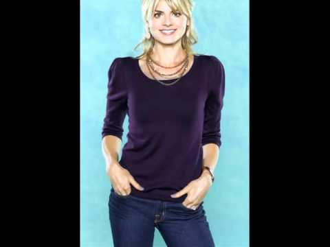 Hollywood Actress Eliza Coupe