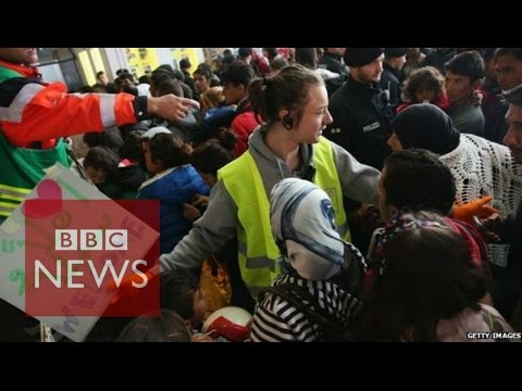 Migrant crisis: 48 hours at Munich railway station - BBC News