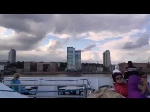 Hafenrundfahrt in Hamburg mit der Mein Schiff 5 1 Tage in Hamburg - Hafenrundfahrt