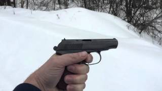 ПМ-СХ медленно. Makarov firing blanks in slow motion.