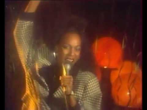 Amii Stewart: 1986's live appearance on Soviet music tv show!(Break These Chains).flv