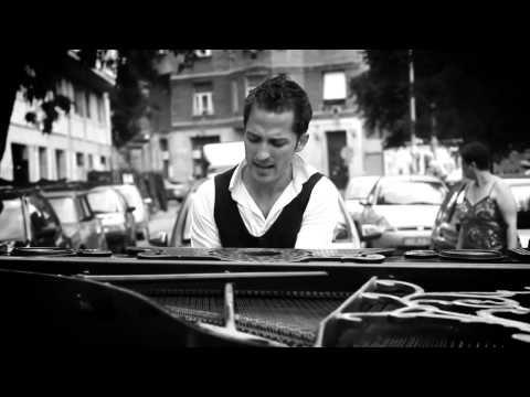 Krisz Rudi - Állj Meg Egy Percre (Official MusicVideo)