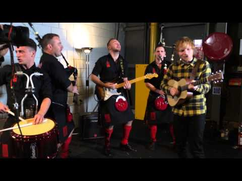 Video: Red Hot Chilli Pipers meet Ed Sheeran at MTV EMA's