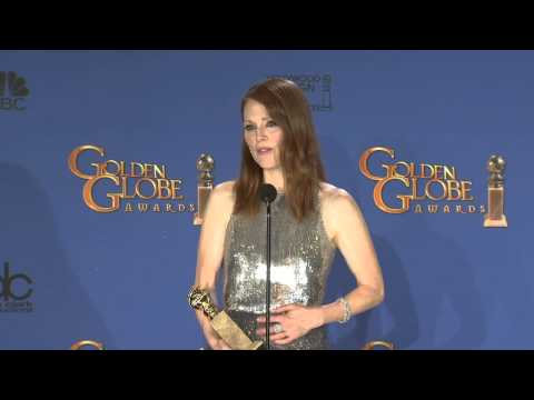 Julianne Moore: Golden Globe Awards Backstage Interview (2015)