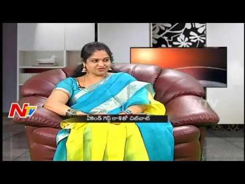 Actress Raasi Sensational Comments On Director Teja & Pawan Kalyan | Weekend Guest thumbnail
