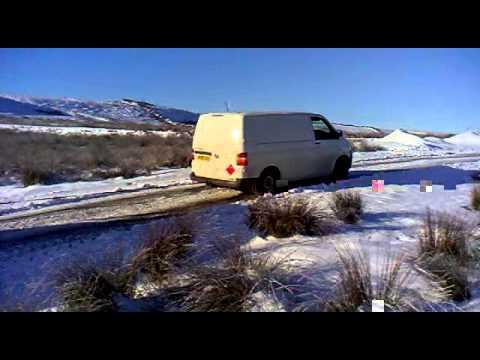 Vw transporter 4motion v DAF in snow