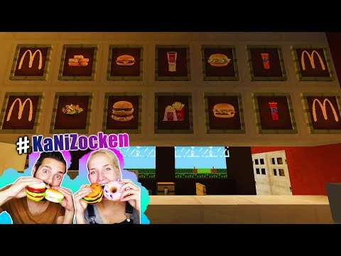 Nina + Kaan reagieren auf MCDONALDS MOD MIT ECHTEN BURGERN + POMMES bei Minecraft! Mit Restaurant
